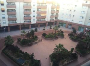 Piso en Alquiler en Algeciras - Casco Antiguo / La Granja - La Colina - Los Pastores