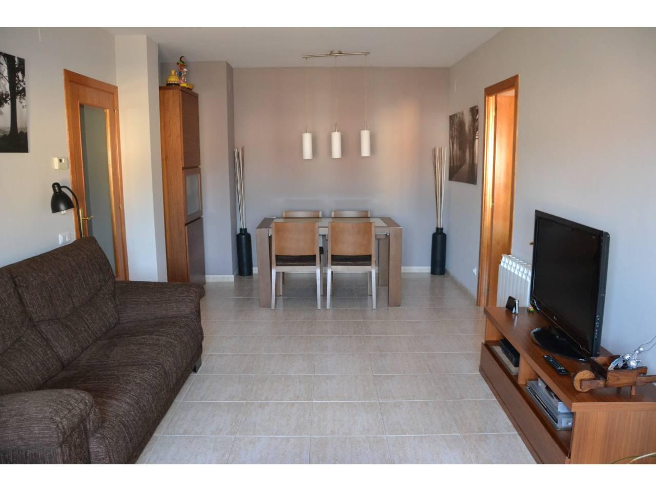 Pis  Vallromanes. Piso de superficie útil 92 m², 1 hab. individualy dos dobles (1