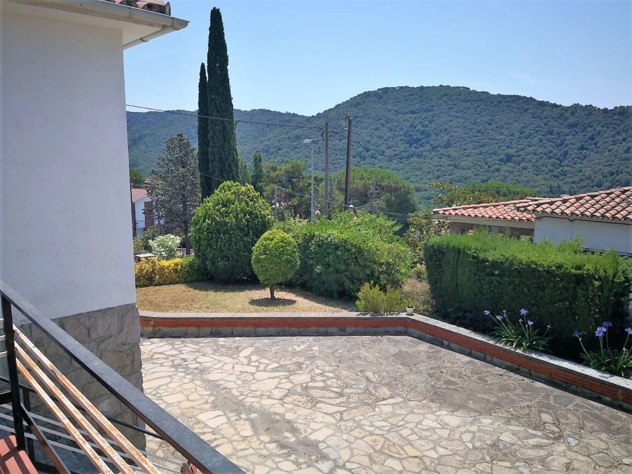 Casa  Vilanova del vallès. Hab. individuales: 1, casa habitaciones dobles: 2, 2 baños, anti