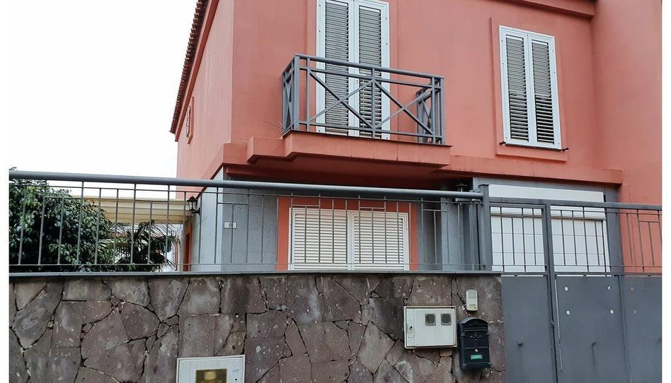 Foto 1 de Casa adosada de alquiler con opción a compra en Carretera General del Norte Tacoronte - Los Naranjeros, Santa Cruz de Tenerife