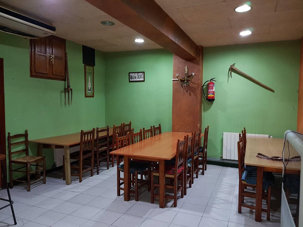 Local commercial  Calle canigo. Finques pardas - bar-restaurante de 150m2 de planta equipado y a