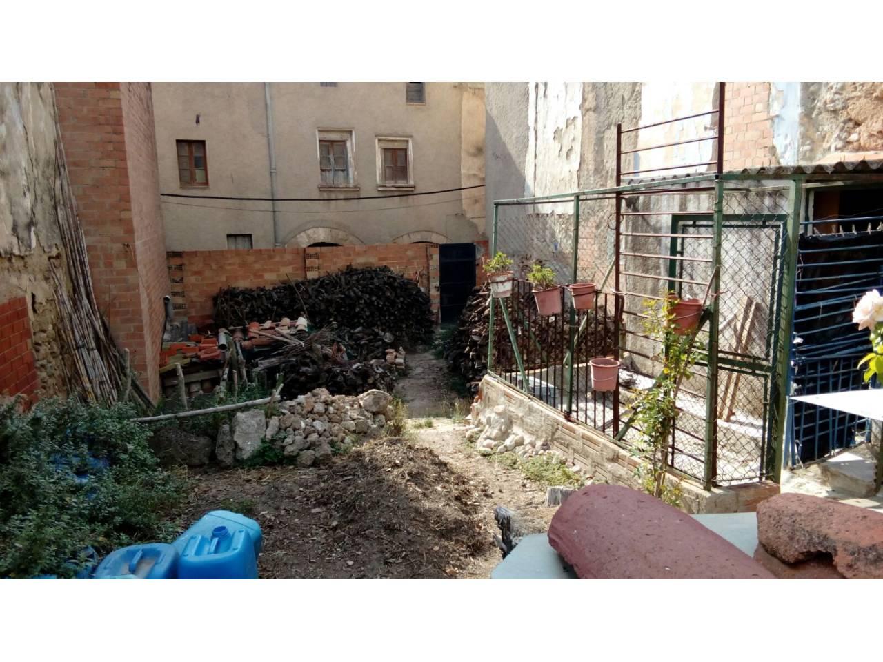 Solar urbano  Calle del baix. Solar en venta en el centro de sant quintí de mediona, junto al