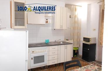 Piso de alquiler en Calle Fuente Nueva,  Granada Capital