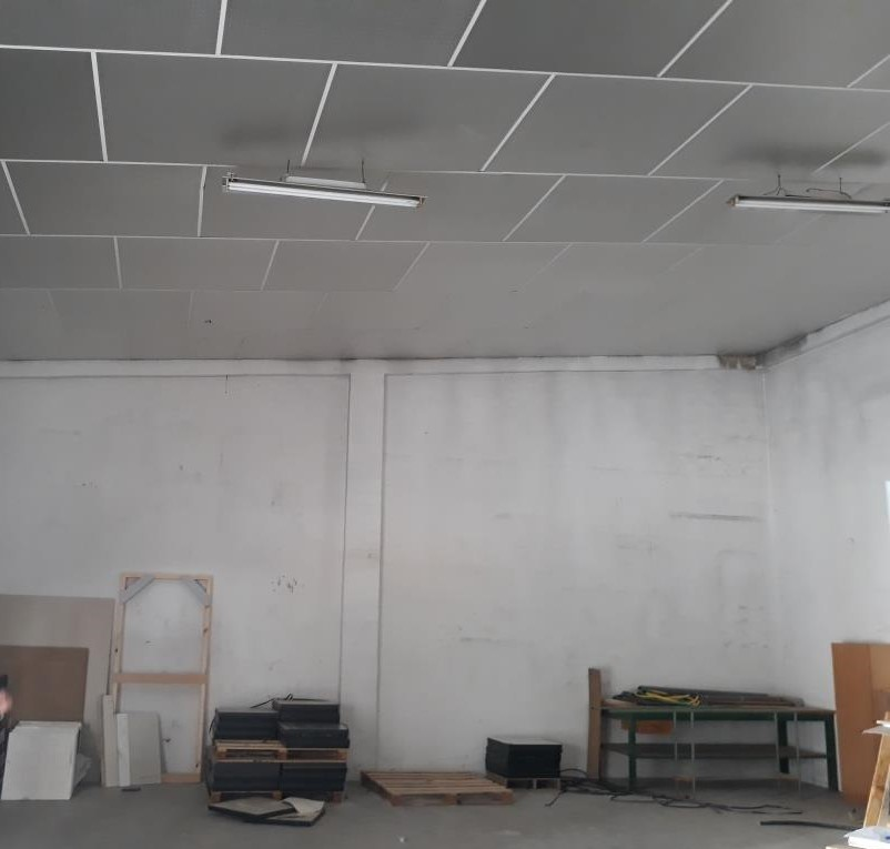 Location Local commercial  Vila-real - el pilar. Local-nave junto al campo de fútbol madrigal  de 135 m2 actualme