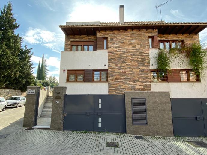 Foto 1 de Casa adosada en Calle Almiar, 28 Cervantes