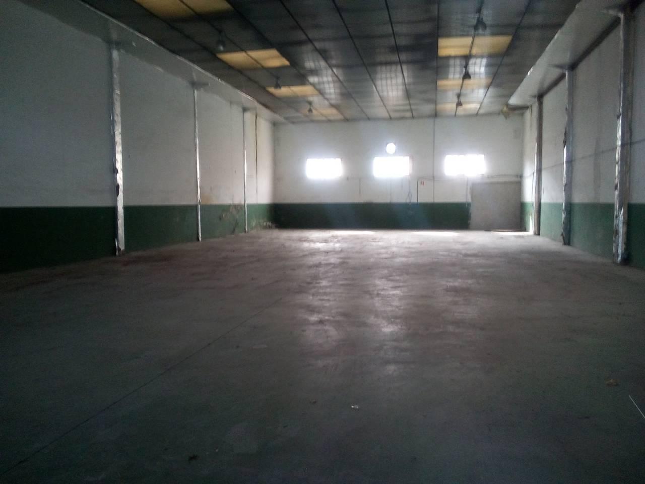 Lloguer Nau industrial  P.i. can cortes sud. Superf. 450 m², planta baja, estado certificación: .