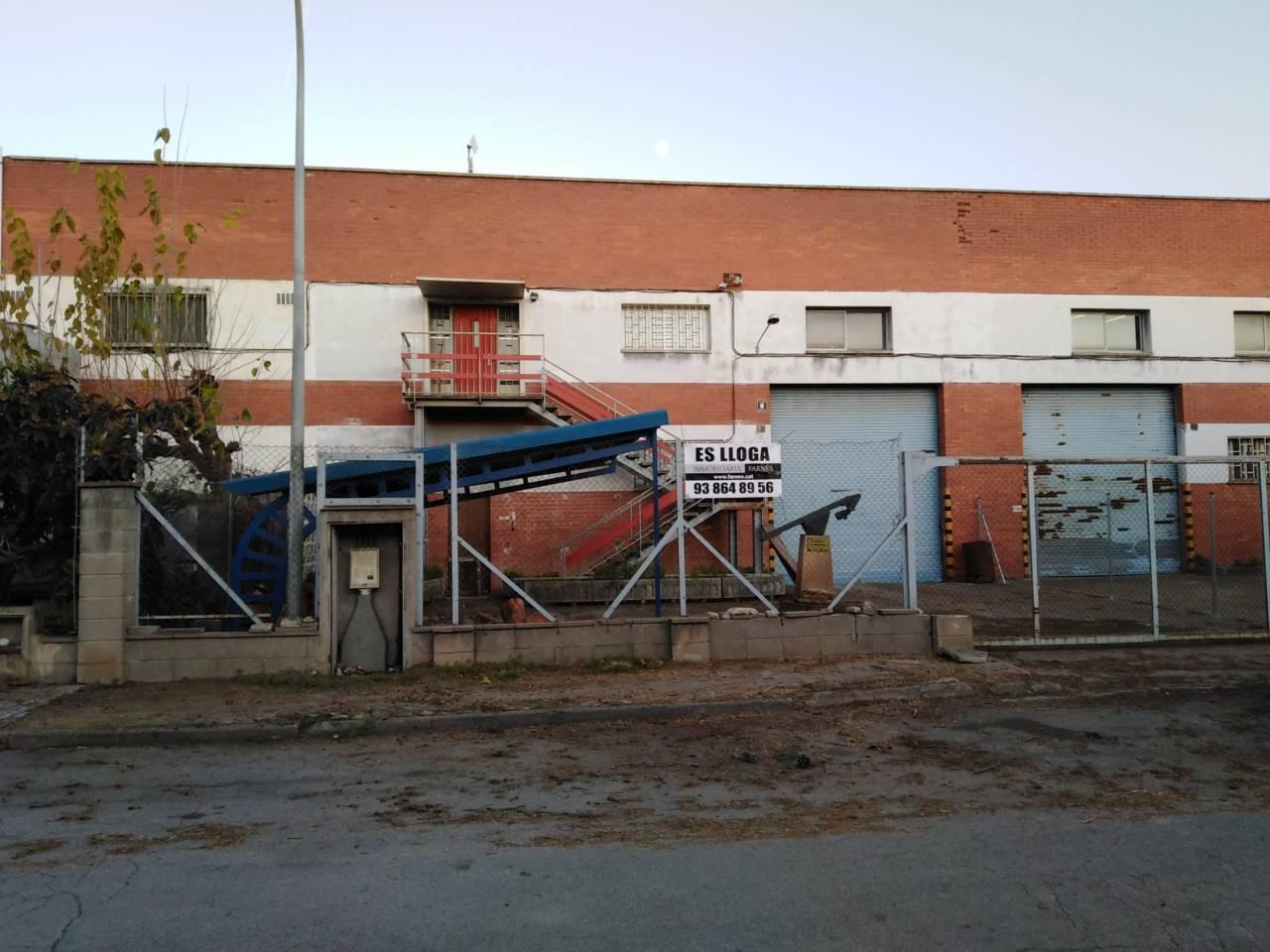 Lloguer Nau industrial  Can cortes. Nave doblada!!!!!!!!!!! superf. 850 m² (450m² de planta + 400m²