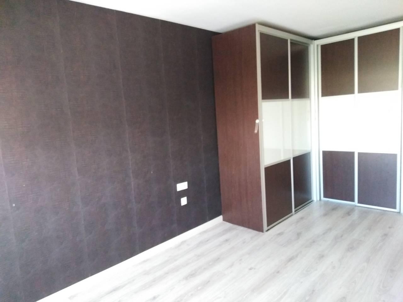 Lloguer Casa  Can periquet. Superf. 180 m²,  4 habitaciones (3 dobles,  1 individual),  2 ba