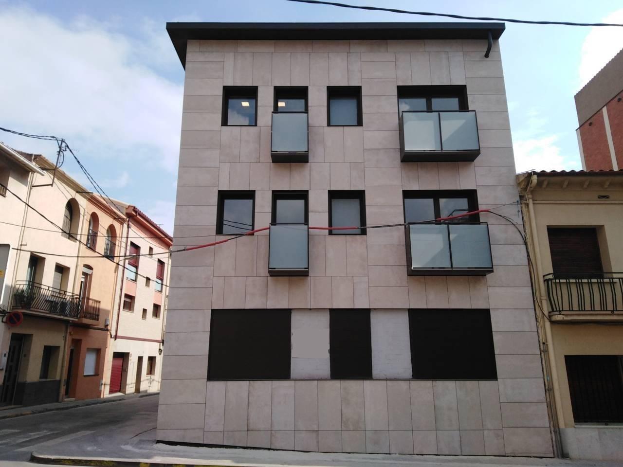 Lloguer Pis  Plaza moreu, 4. Piso obra nueva de 2 habitaciones muy bonito y grandes acabados!