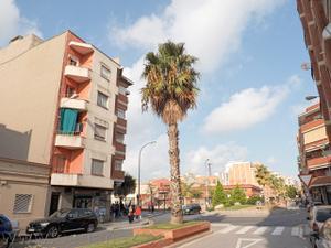 Piso en Venta en El Prat de Llobregat - Centre / Plaça Catalunya