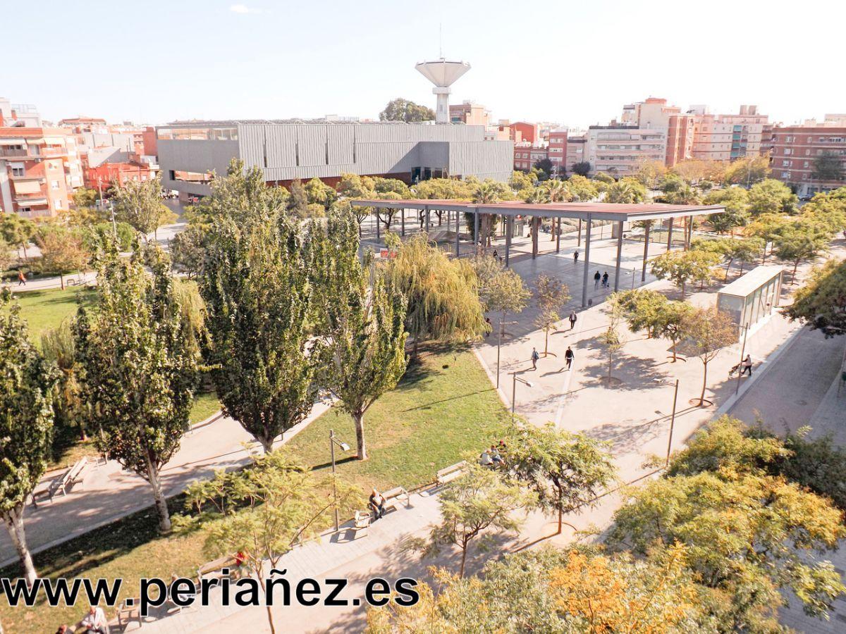 Miete Etagenwohnung  Plaça catalunya. Piso en alquiler en plaça catalunya, 3 dormitorios.