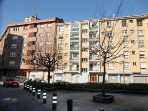 Piso en Alquiler en Capital y Alrededores de Vizcaya - Galdakao / Galdakao