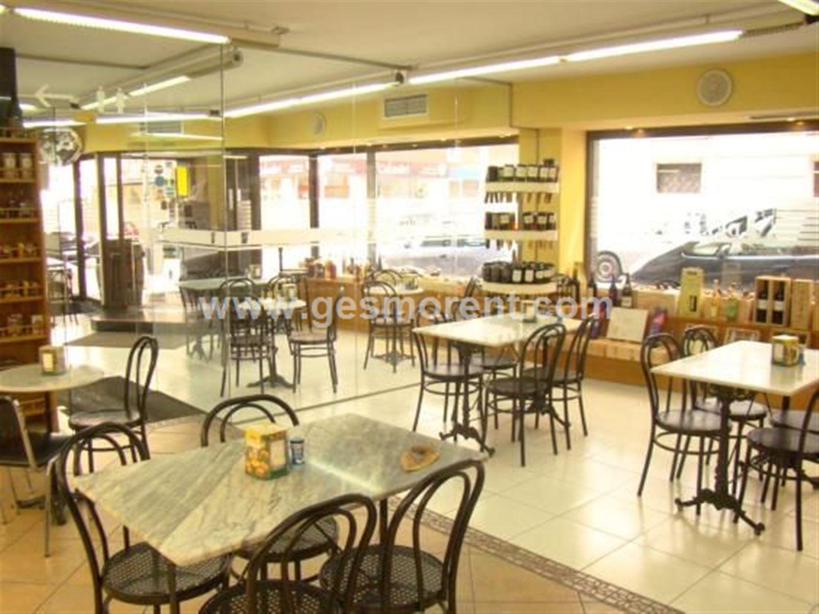 Traspaso Local Comercial  Palma de mallorca - centro. Local comercial en alquiler y traspaso en plaza los patines