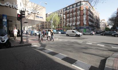 Plantas bajas en venta en Metro Lista, Madrid