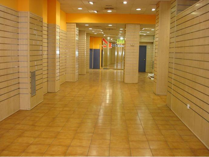 Local comercial en zaragoza capital en montecanal for Pisos alquiler valdespartera