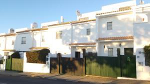 Casa adosada en Venta en La Barrera, 46 / Villablanca