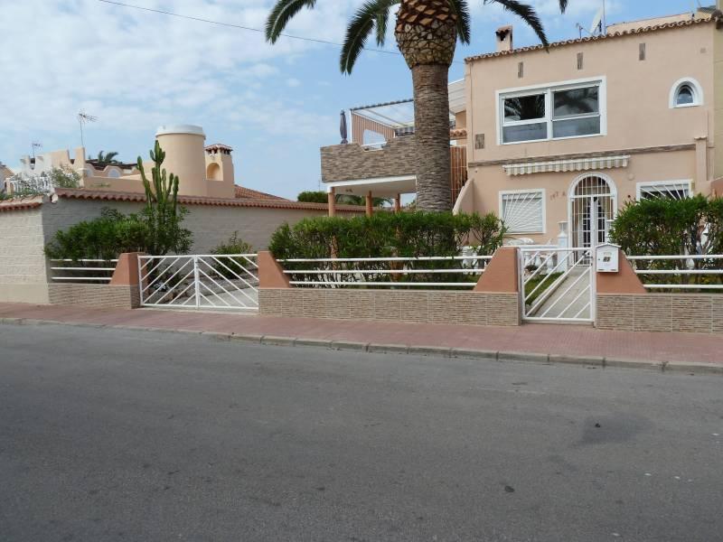 Casa adosada en venta en Torrevieja ,torreta Florida