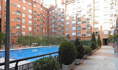 Viviendas en venta con piscina en Madrid Capital