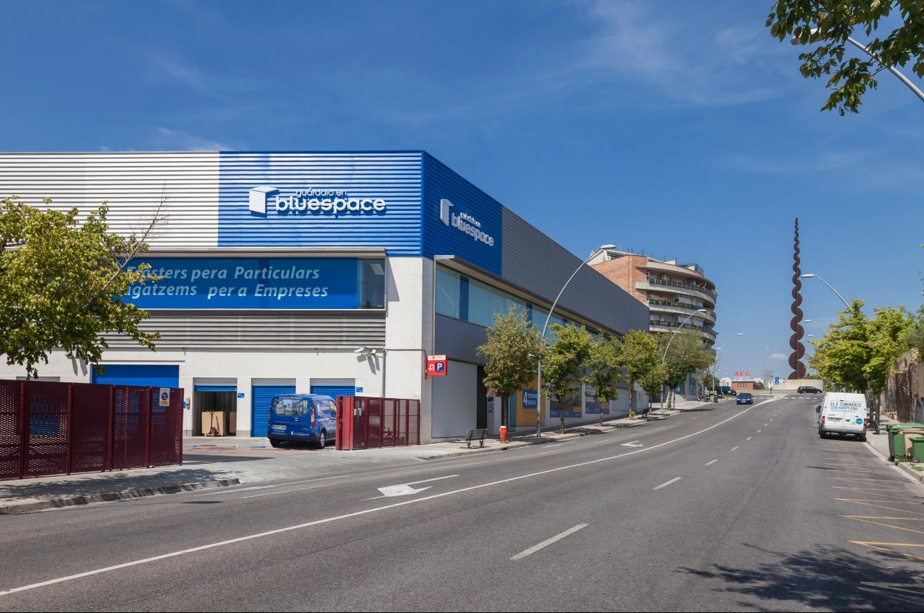 Lloguer Magatzem  Carretera castellar, 127. Trasteros desde 1,5 m2 en Terrassa (barcelona). tenemos diferent