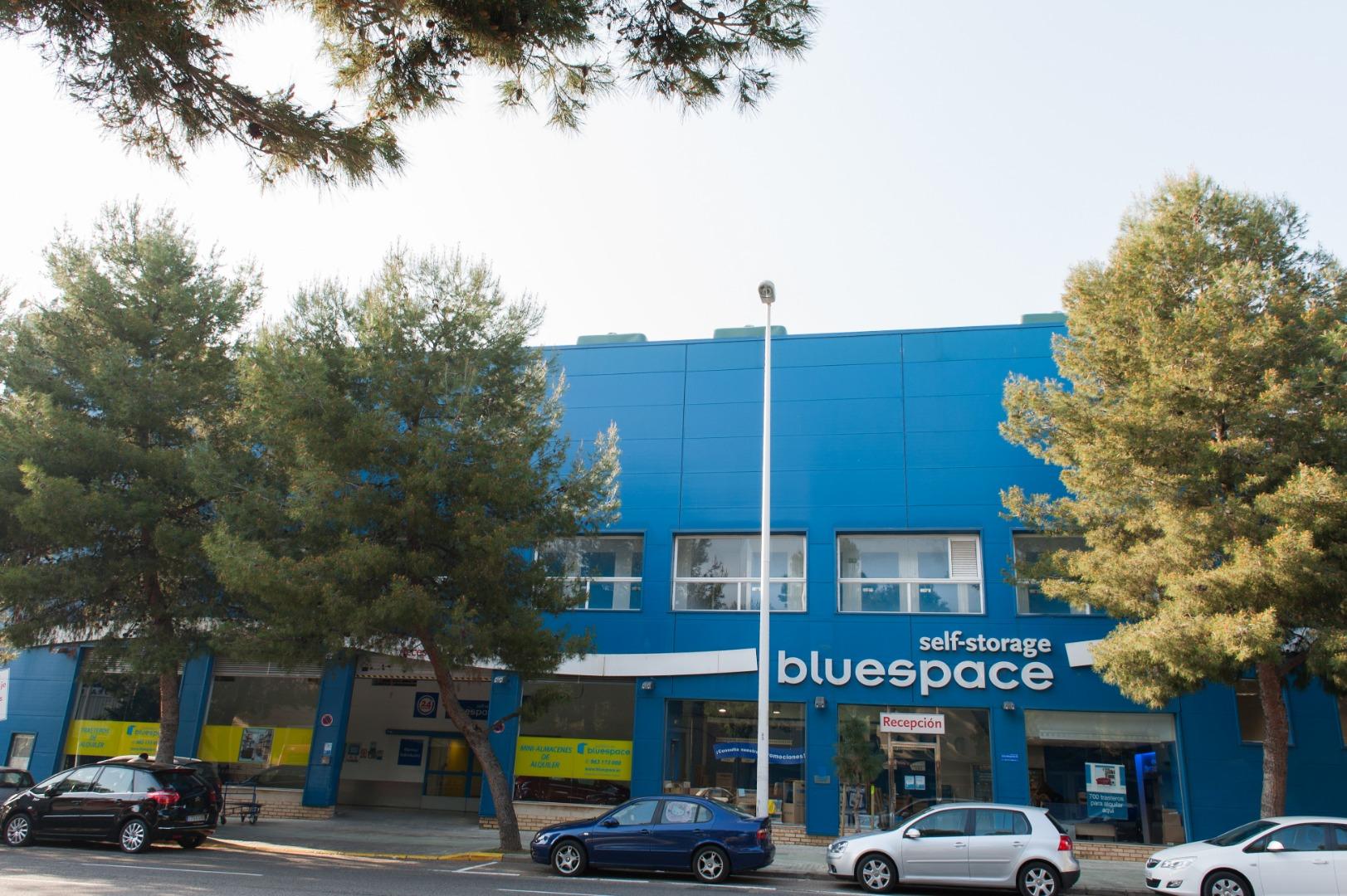 Lloguer Magatzem  Calle valle de la ballestera, 71. Trasteros bluespace de 3 m2 en campanar (Valencia). tenemos dife