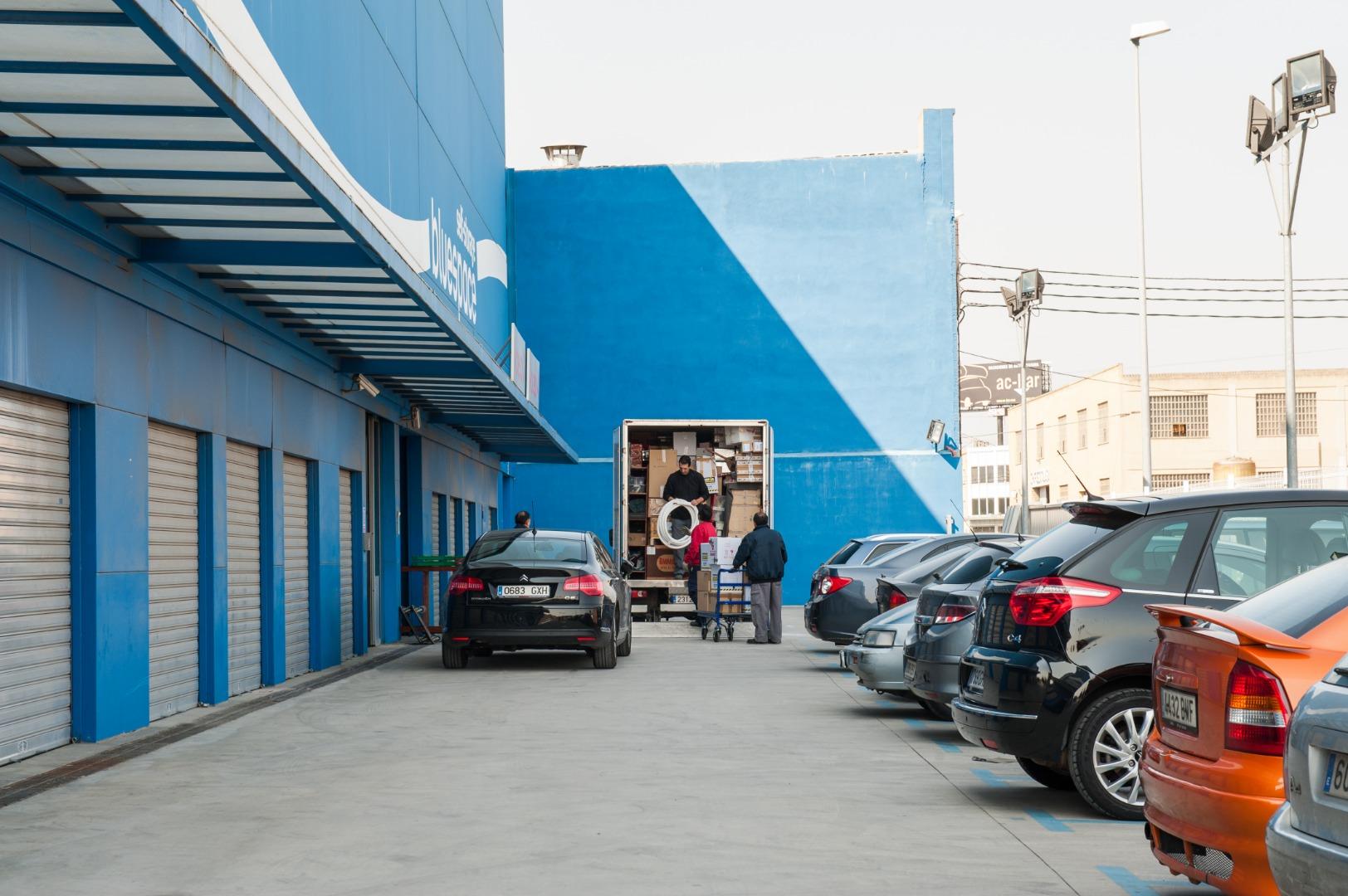 Lloguer Magatzem  Bajo vinalopó, 1. Trasteros bluespace de 60 m2 en mislata (valencia). tenemos dife