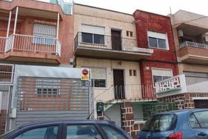Finca rústica en Venta en Barrio de la Concepcion. Amplio, Con Jardin y Garaje / Barrio de la Concepción
