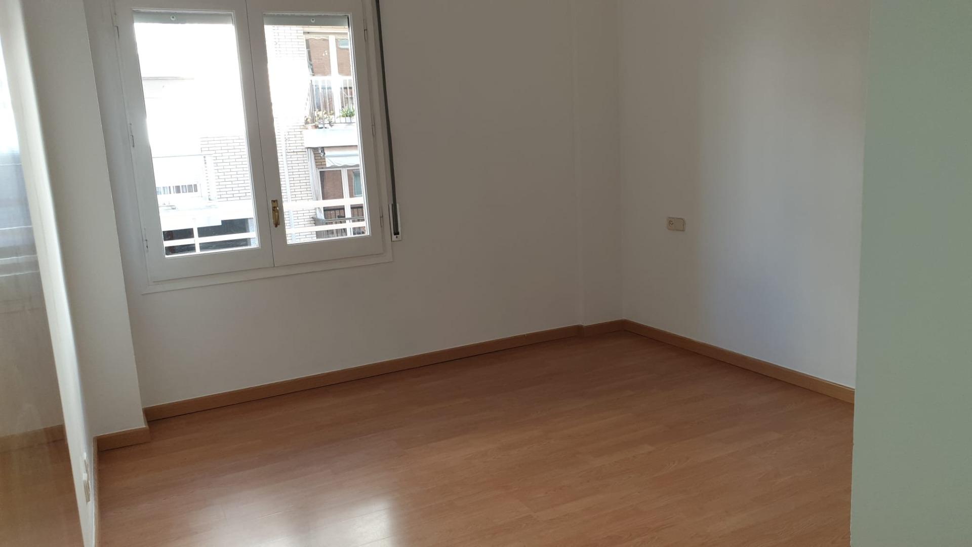 Location Appartement  Carrer lluís companys. Piso de alquiler en la font del ros