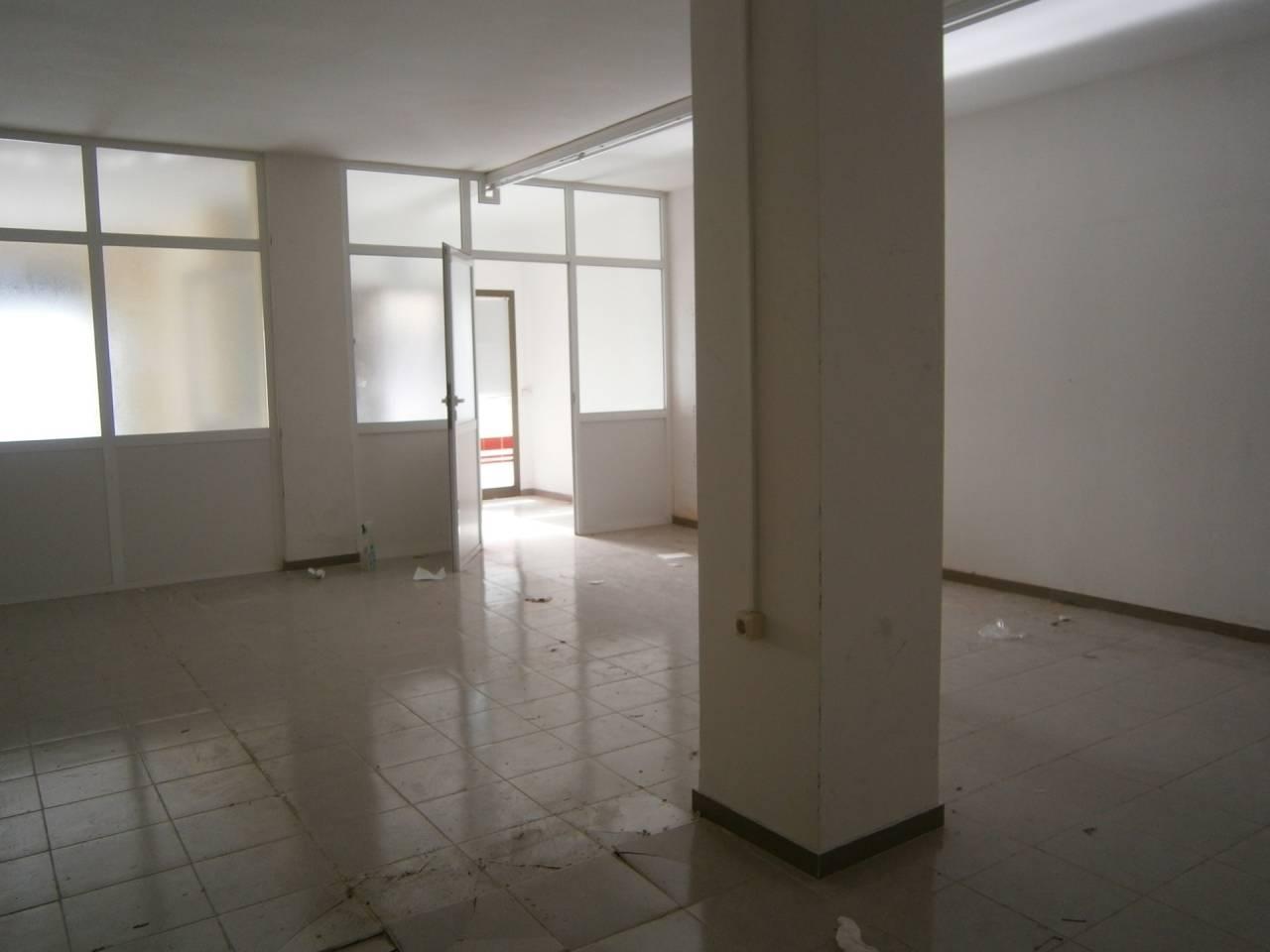 Miete Geschäftsraum  Centre. Local comercial de 93m2. local diáfano perfecto para oficinas, c