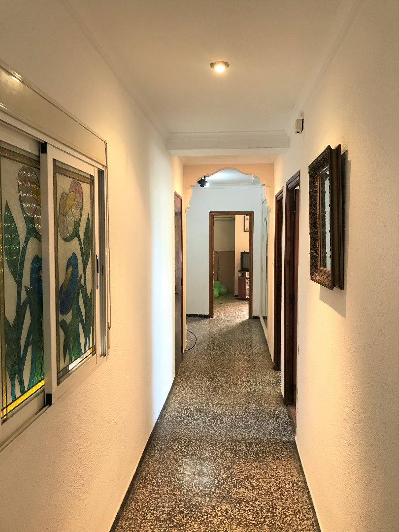 Appartamento  Calle juan vicente mora. ¿estás buscando un piso en buena zona y que no se te suba a las