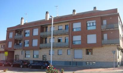 Pisos en venta con terraza en La Puebla de Alfindén