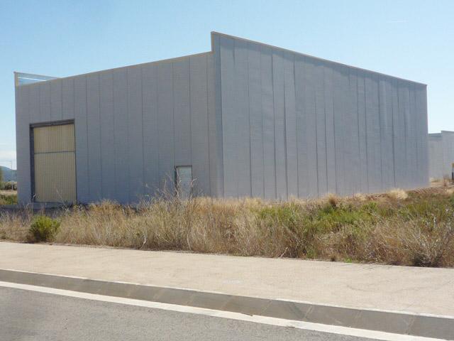 Nave industrial  Calle pol. ind. mataltes carrer  terrers. Nave industrial de 540 m² en la senia (tarragona). nave en la co