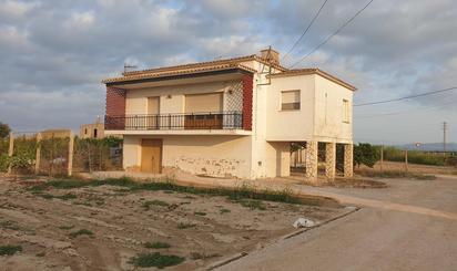Viviendas y casas en venta con terraza en Deltebre