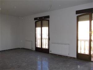 Apartamento en Venta en Centro / Jódar
