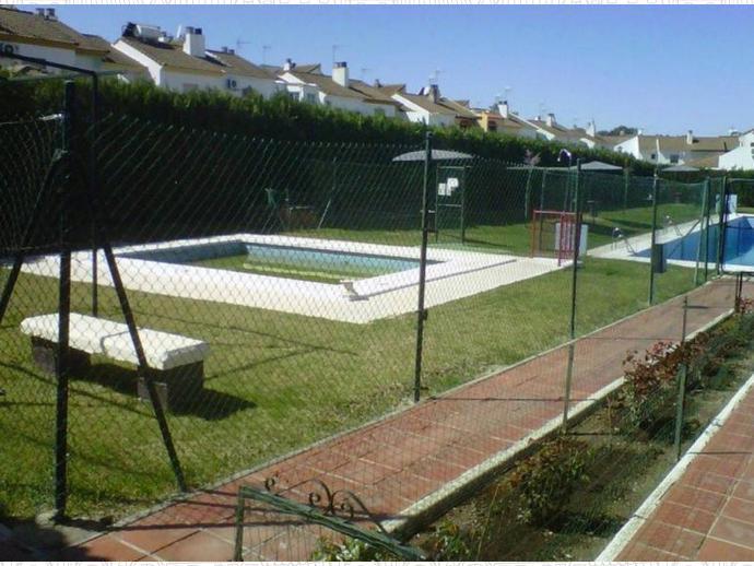 Casa adosada en Dos Hermanas en Montequinto ,zona Avenida de Europa ...