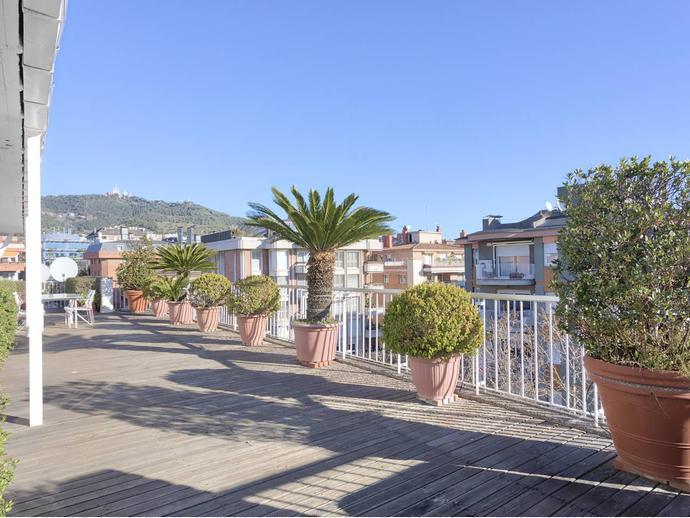 Foto 1 de Piso en Zona Alta / Les Tres Torres,  Barcelona Capital