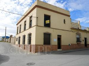 Chalet en Venta en Cristobal Colon / La Lantejuela