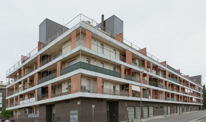 Viviendas en venta con piscina en Huesca Capital