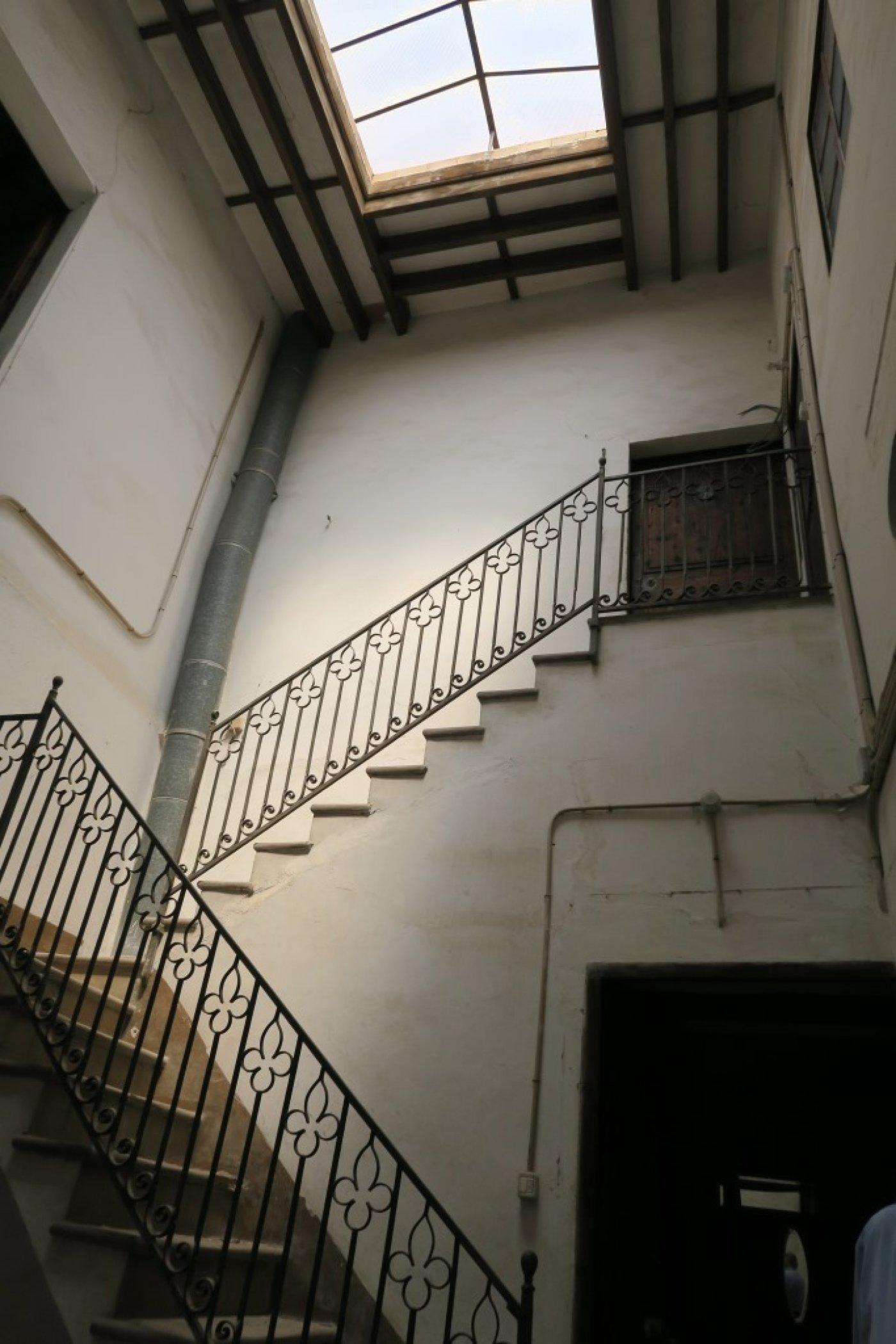 Edificio  Palma de mallorca ,centro. Edificio de 2 plantas para restaurar