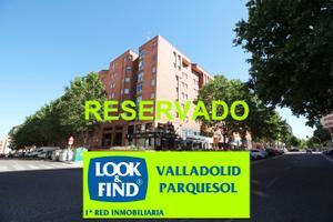 Piso en Alquiler en Amadeo Arias, 10 / Parquesol